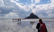 Crossing the bay, visiting Mont Saint Michel